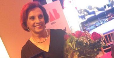 Procuradora aposentada é homenageada pela OAB