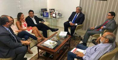 Presidente da APMS participa de reunião com o deputado Benito Gama